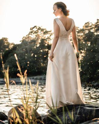 love health luonnonvalo life harmony wedding potretti häät naturallight wonders bride sea hääpuku sun peace naturallightportraiture morsian sunset auringonlasku