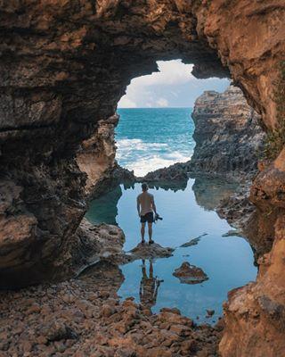 selfie orangetee lumix_de panasoniclumix ocean travelblogger travelphotography cave ig_countryside straya photographer nature australia cleanoceans travel lumixgh5s ig_color