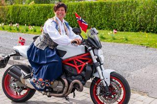 bike biker ducati funandfreedom gøymedmotorsykkel grandma grandmabiker monster monster821 motorbike motorcycle motorcycletrip testastretta