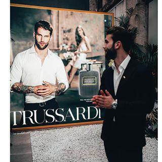 advertising commercial milano parfum riflessobluevibe trussardi