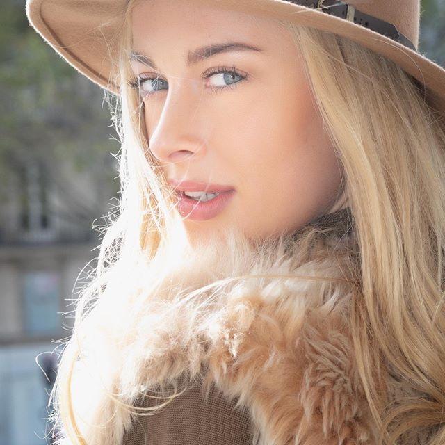 portrait blonde photoshoot mannequinn picoftheday parisianstyle paris blueeyes photography dancer portrait_vision