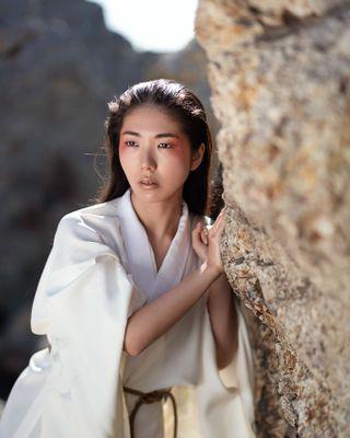 elenatyutina nikond750 womeninmotion nature kimono magazine editorial japanstyle tokyophotographer japanphotographer beautyphotography japanbeauty beauty fashionphotographer fashionphotography fashion