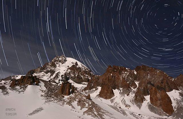 kazbek mountainphotography startrails stars smellofthemountain казбек landscapephotography звёзды landscape mountainplanet longexposure yourshotphotographer mountains