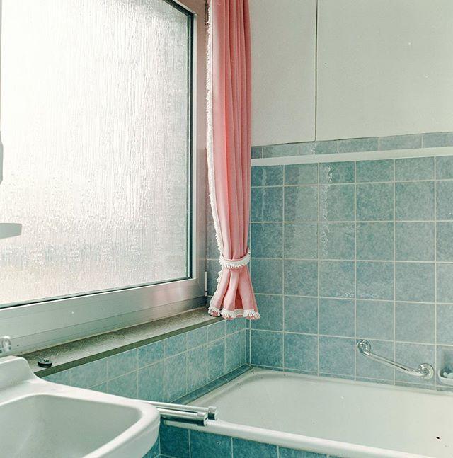curtain analog bathroom borschemich ugly abandoned