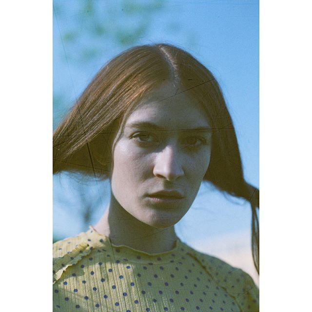 filmphotography portraitoftheday art model olympusom2 majormodelsmilan🇮🇹 photography woman majormodels film analogphotography portrait portraitphotography