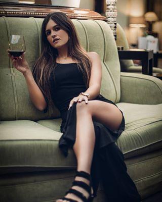 sensual madridspain instagirl bellezanatural elegancia photooftheday portraitphoto
