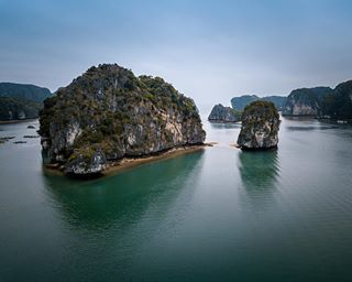 travelphotography halongbay nature canonphotography vietnamtravel canonnederland dronephotography asia tourism canon backpacking wanderlust drone djimavicpro photography vietnamese travel halong vietnam dji
