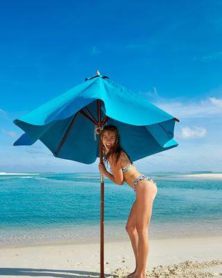 beach beauty bikini blueeyes fashionshooting lifeisabeach photographerslife summer swimwearmodel swimwearshooting undermyumbrella