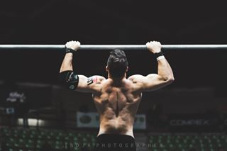 bodypicture crossfit crossfitcompetition crossfitphotographer crossfitphotography fitness fittestonearth fotografiadireportage fotografiasportiva muscle pullup reportage strength