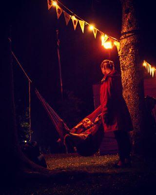 boyandgirl festival folk2017 folkfestival hammock holdinghands menandwomen night nightlights pentaxphotography resting romantic tired viljandi viljandifolk viljandifolk2017