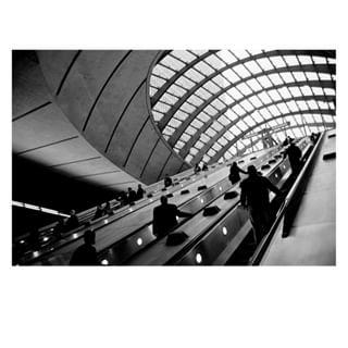 canarywharf thisislondon monochrome personalproject photo17 london uk anonymity blackandwhite streetphotography theprintswap 35mmfilm photodeutschland filmisnotdead exhibition canon loneliness analogphotography photomuenchen anxiety escalator munich ishootfilm