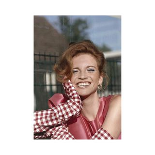 smalltown summermood indiansummer fashionphotography fashion editorialfashion freckles redhead smile fashionmagazine fashioneditorial fashionstory retouching mirjazentgraf fashionphotographer newstory sunshine model makeup styling