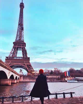 travellife travelgram traveler travel thehappynow stylediary picoftheday petitejoy paris❤️ paris ootd love laseine instamood fashiondiaries darlingweekend darlingmoment cucapsuna