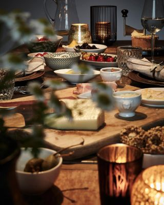 ancor_photo candlelight candlelightdinner candles cheeselover dining diningroom diningtable dinner food foodlover foodphotography foodporn foodstyling foodstylingandphotography gedecktertisch genuss genussmomente genusspur leckereien moodofmytable moodoftheday tabledecoration tablesetting tabletop unkompliziert wearefood wood wooddesign