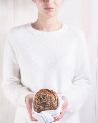 simplebutbeautifulwhite model propstyling foodphotograhy foodstyling espeltaecenteiointegral