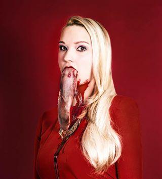 art blonde blood nikon photobook photography pig portrait red thomasgobauer thomasgobauerphotography tongue wertschaetzung wertschaetzung1 wertschaetzungthebook
