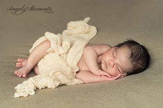 newbornphotography ostschweiz babybauchshooting neugeborenes babyfoto newborn fotoshooting fotostudio stgallen baby schwangerschaft thurgau kinder appenzell fotografin familienfotos