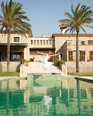 trashthedress sunshine sun stgallen shooting pool palmen ostschweiz mallorca hochzeitsfotograf hochzeit fotoshooting fotograf braut afterwedding