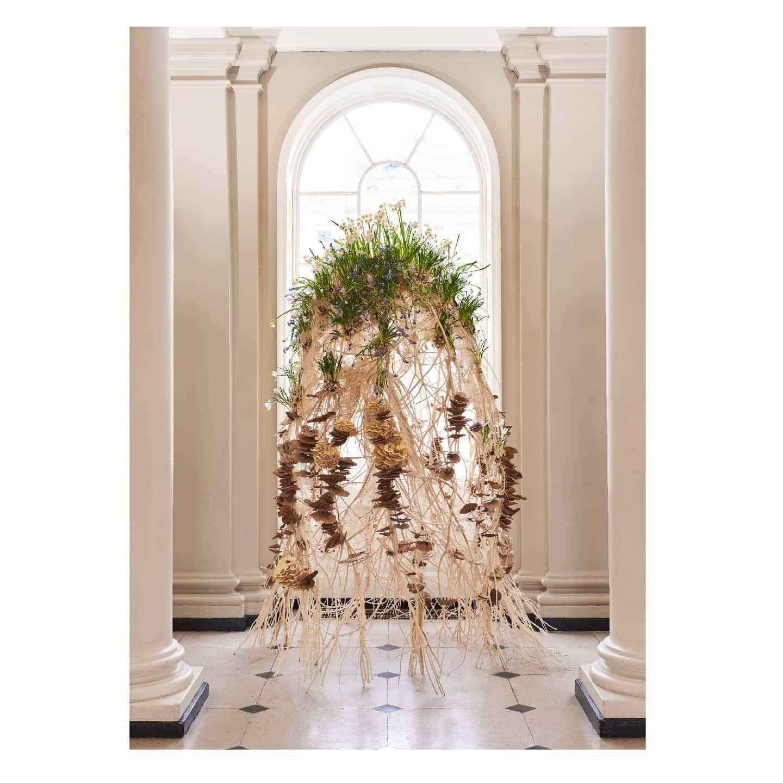 botanical floral contemporaryart shadow light mushrooms mycelium london minimalism somersethouse lfs londonflowerschool sculpture installation