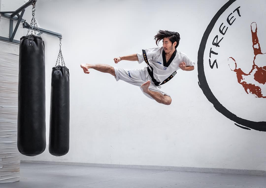 flyingsidekick sidekick artist fight camera canon motivation passion mood aesthetic training action photography elegance uenoshashin taekwondo kick martialarts photographer