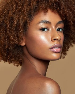 beautygirl primer cosmetics concealer skin makeupaddict cleanmakeup cool instamakeup cute beautycare makeuplover naturalmakeup melaninqueen skincareproducts picoftheday afro cosmetic highlights beautyphotography healthyskin glowup skincare pretty makeupoftheday makeupartist model photographer melaninpoppin adv