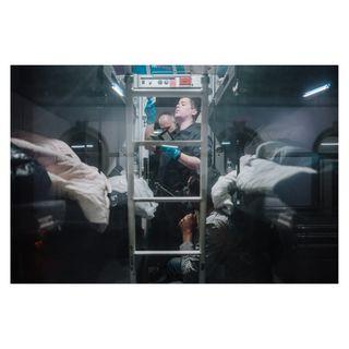 journalist journalism photojournalist photojournalism aargauerzeitung swissphotoclub trainphotography railways_of_our_world railway pressphoto pressphotographer pressphotography swissphotographer switzerland swiss schweiz documentaryphotography securitycheck security trainstation bordercontrol border migrants nighttravel nighttrain train milano paris brig thello