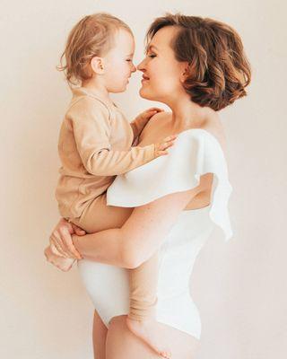 love family pregnantandperfect pregnancyphoto maternity pregnancy adonis leleka isida 30 29 28 motheranddaughter bestpregnancyphotos