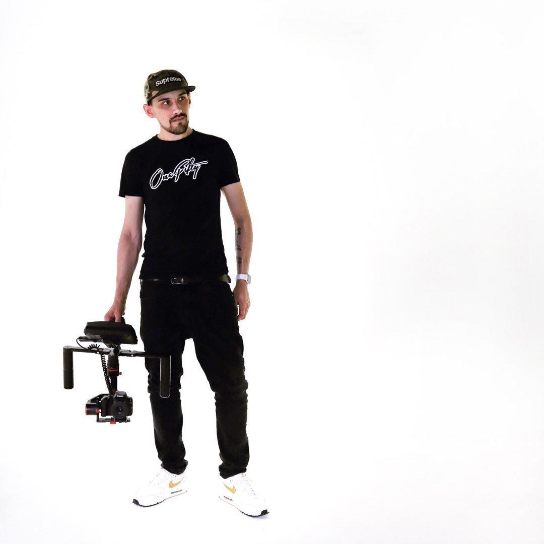 Avatar image of Photographer Maxwell Falls