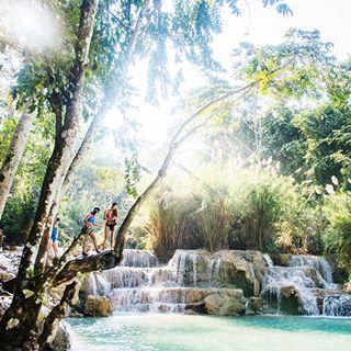 turqoise laos kuangxi tatkuangsi kuangsifalls travel swimming kuangsi luangprabang waterfalls asia southeastasia