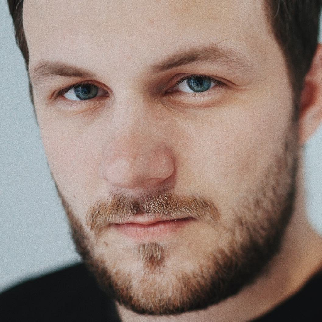Avatar image of Photographer Evgeniy Grebennikov