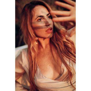 canaryislands lanzarote barcelona madrid espa newfacesmodels newface modelo berlin travel sand goldbluse hm gold portrait portraitphotography pecosa pecas freckles venezolana venezuelan venezuela model