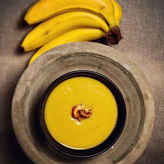 bucherverlag paleo früchte soup fruits yellow banana wirkkochbuch suppe foodphotography steinzeiternährung banane paleofood