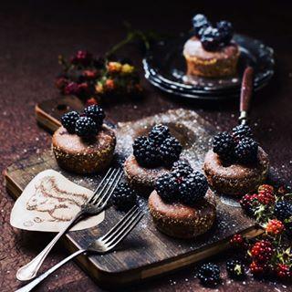 foodphotography kochenundküche blackberry oachkatzlschwoaf backen squirrel eichhörnchen brombeeren
