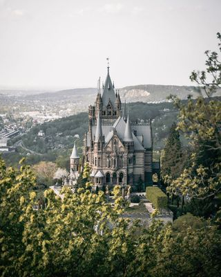 travelphotography schloss troisdorf drachenburg drachenfels place travelers ig_germany stayandwander artofvisuals moodygrams naturegramy theoutdoorfolk bravogreatphoto theimaged agameoftones roamanywhere weroamgermany earth voyaged adventure wanderlust electric_shotz moody_arts the_folknature naturephotogtaphy thewildlenses