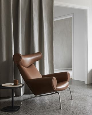 hansjwegner yellowsstudio interior leather design enokholsegaard wegner classicdesign furniture home ej100 chair oxchair