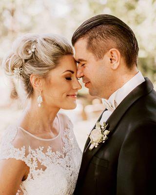 groom bride lacedinlove