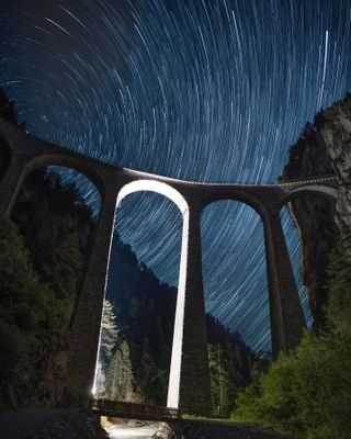 nightphotography nightsky stars wanderlust stayandwander beautifuldestinations shotofthenight shotoftheday discover travel explore ig_switzerland switzerland myswitzerland swissviews iloveswitzerland longexposure startrails graubu landwasserviadukt