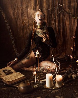 witchesofinstagram redrumcollaboration phoenixmodels phillymodels pdxmodels invocationart fullmoonvibes earthwitch dirtylittlewitches denvermodels amandavalentine