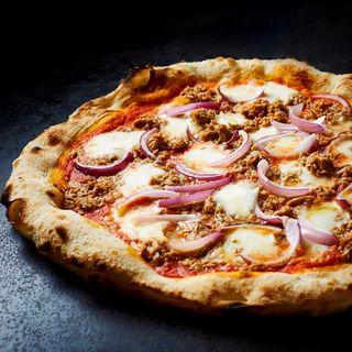 italianfood zwiebel mozzarella yummy steinofen tuna stoneoven foodporn pizza