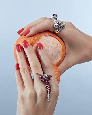 handmodel skin hands vogue voguemagazine nlvogue gassandiamonds jewellry stillifephotography stilllife photography