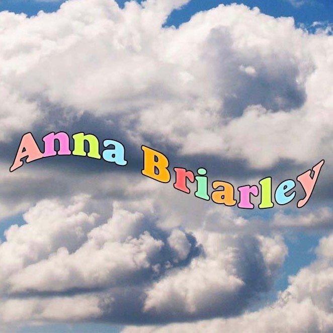 Avatar image of Photographer Anna Briarley