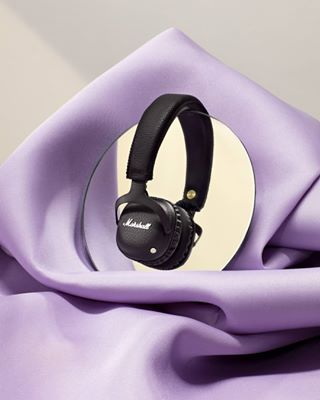 christmas xmas stilllife photography retouching editotial fashion setdesign advent tech marshallheadphones gift technology newwork headphones marshall