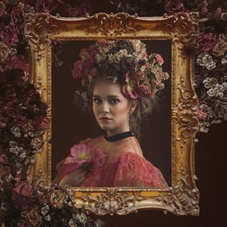 sweets sweet suvisievilaphotografia suvisievila portraits portrait pink model inspired inspiration frames frame flowers candywrappers candy beauty beautiful