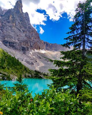 mentenoma mentenomade viaggiaredasoli everydayxiaomi xiaomiphoto xiaomiphotography mountainlake mountain bluelake blue azzurro lake trekkingveneto trekkingitalia venetodascoprire venetonatura igersveneto lagodisorapis