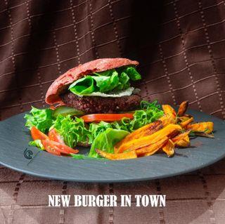 burgerlove burgerporn homemadefood madewithlove veganburger foodstylistlife madeinaustria supportthelocals vienna austria servusinstadtundland gourmetfood guidemichelin