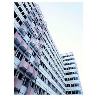 tb prettycolours emptyhouses berlinarchitecture