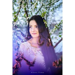 hair outdoor women fresh photographer flowers woman brunette effect photosession photography outfit photoshoot white picture girl image photooftheday beautiful happy beauty outside portrait mood fashionphotographer tree smile purple spring