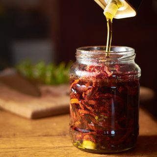 csakahazai foodphotography foodstagram herbs kistermel olivaolaj oliveoil oregano paradicsom rozmaring szaritottparadicsom termel tomato