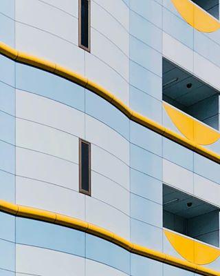 facade yellowmonday