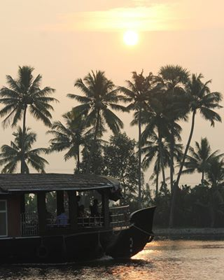 alleppey myclick friends boating holidays house photography dslr filters no rise early morning sun